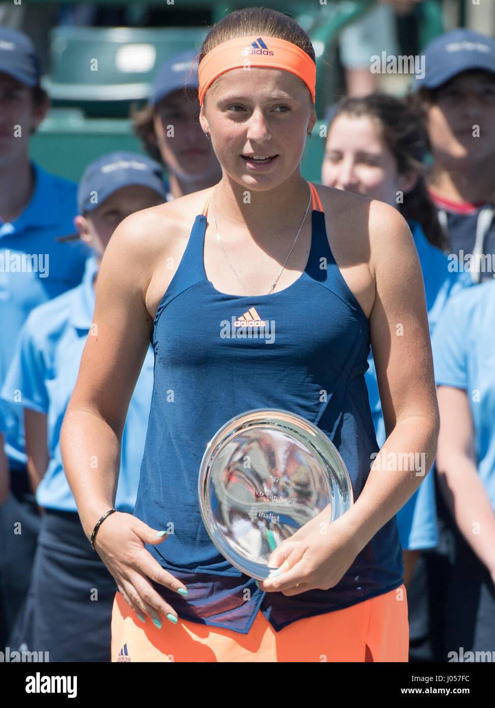 Charleston, South Carolina, USA. 9th Apr, 2017. Jelena Ostapenko (LAT) loses to Daria Kasatkina (RUS) 6-3, 6-1, - Stock Image