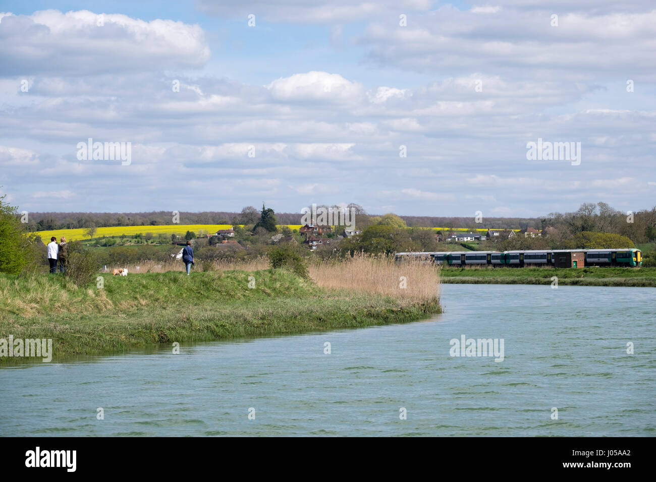 Arundel, UK. 10th April 2017. UK Weather. With temperatures reaching the mid to high teens, the boats moored on - Stock Image
