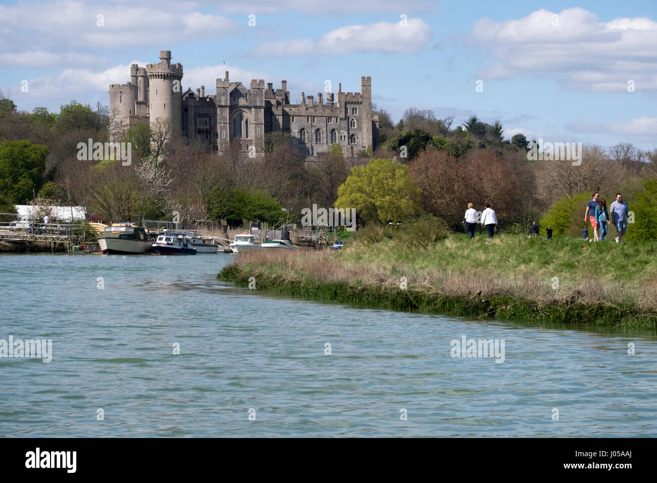 Arundel, UK. 10th April 2017. UK Weather. With tempreatures reaching the mid to high teens, the boats moored on - Stock Image