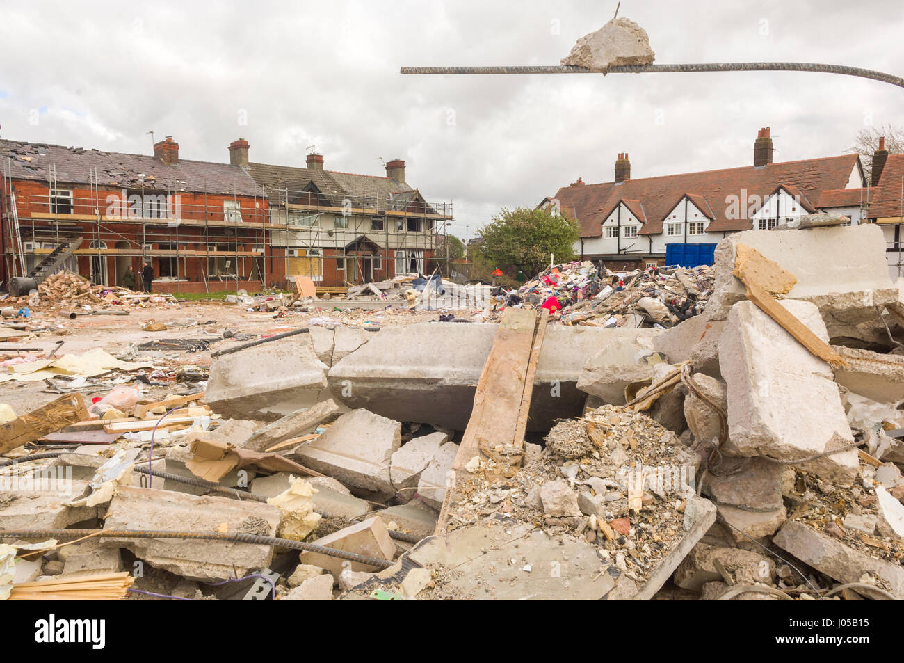 New Ferry, Wirral, UK. 10th April, 2017. The scene of the recent massive gas explosion has now been handed over - Stock Image