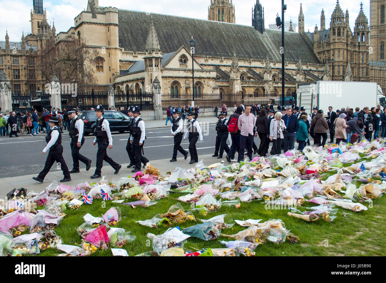 London, UK. 10th Apr, 2017. Police from around the country attended the funeral. Crowds who watched the funeral - Stock Image