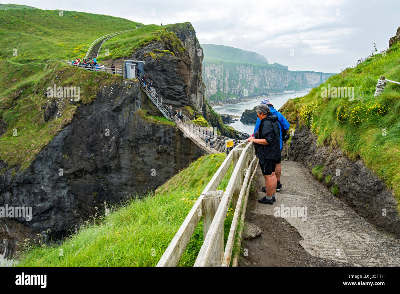 Carrick-a-Rede rope bridge, Causeway Coast, County Antrim, Northern Ireland, UK - Stock Image