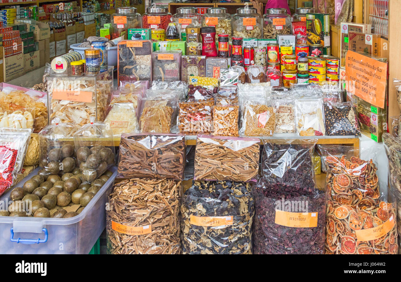 Grocery store in Chinatown, Bangkok, Thailand - Stock Image
