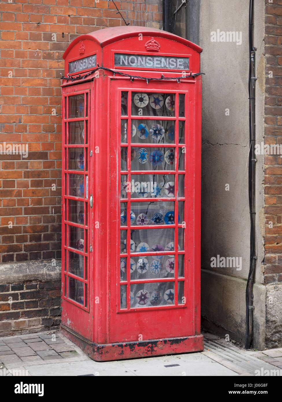 Old K6 red telephone box in Oxford - Stock Image