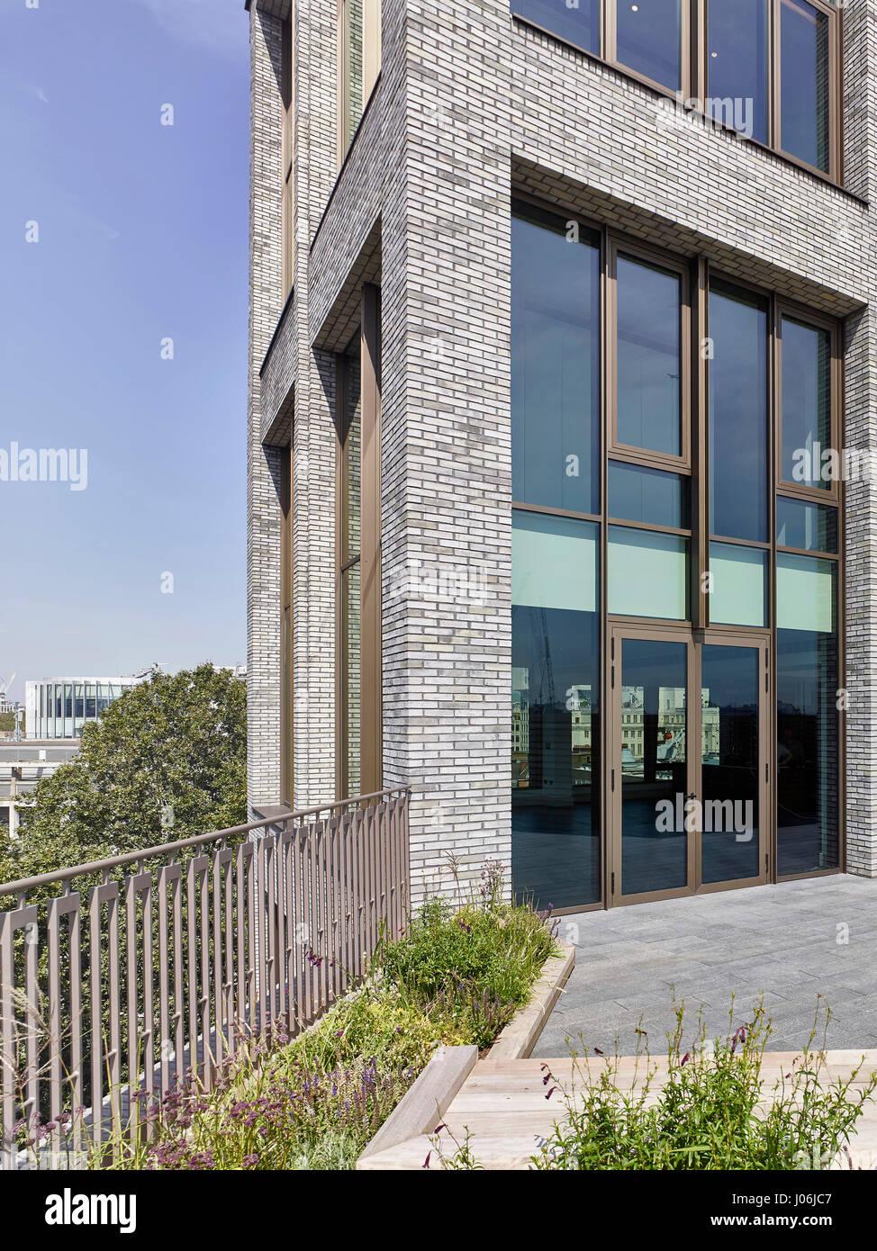 Corner. 55 Victoria Street, London, United Kingdom. Architect: Stiff + Trevillion Architects, 2016. - Stock Image