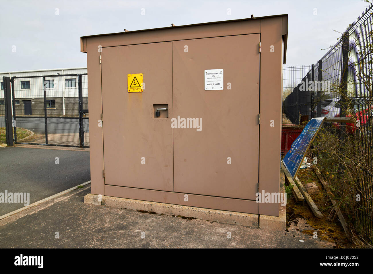 Small Electricity Substation Street Cabinet On A