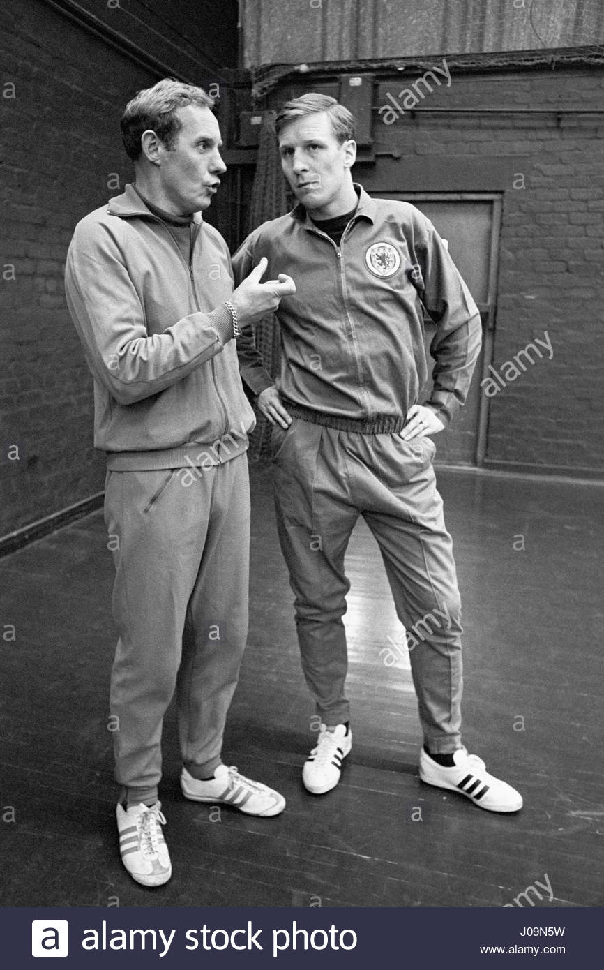 file-photo-dated-20-02-1968-of-scotland-manager-bobby-brown-left-talks-J09N5W.jpg