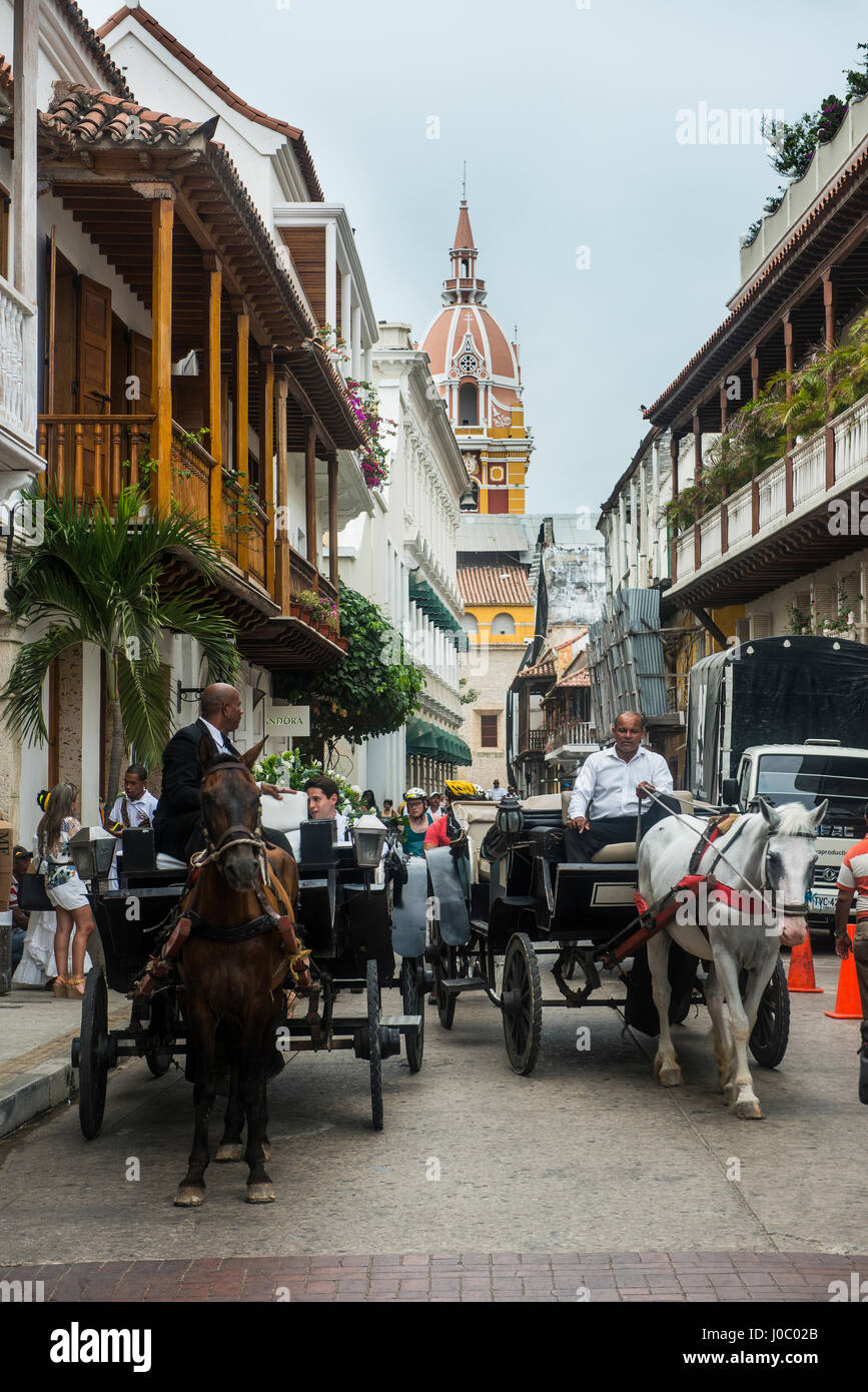 Horse cart with tourists in the old town, UNESCO World Heritage Site, Cartagena, Colombia - Stock Image