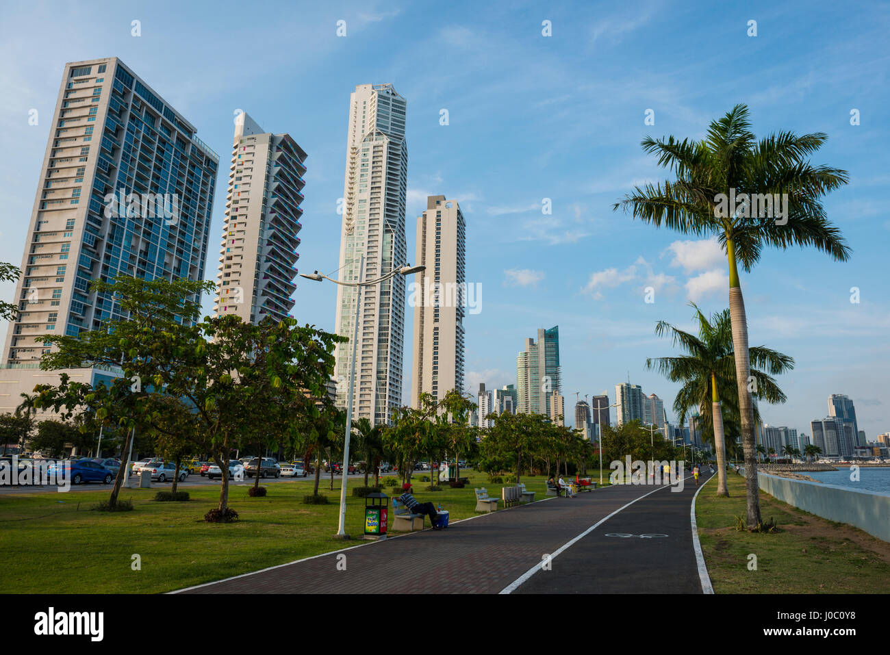 Walkway and the skyline of Panama City, Panama, Central America - Stock Image