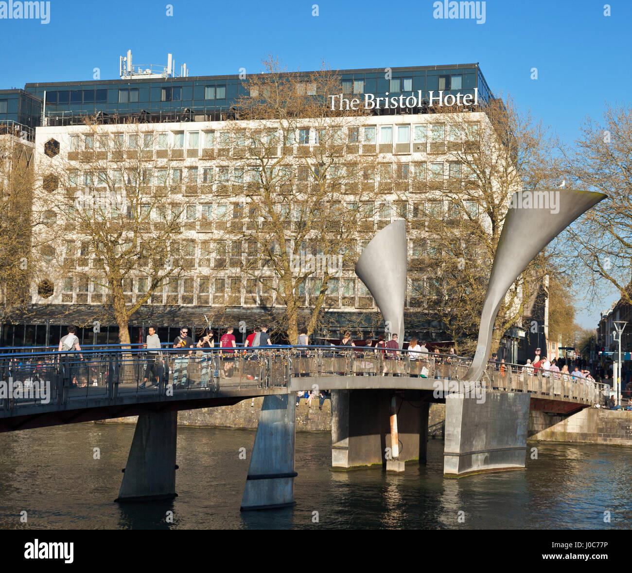 Pero's Bridge and the Bristol Hotel. St Augustine's Reach, Bristol Harbour, Bristol. - Stock Image