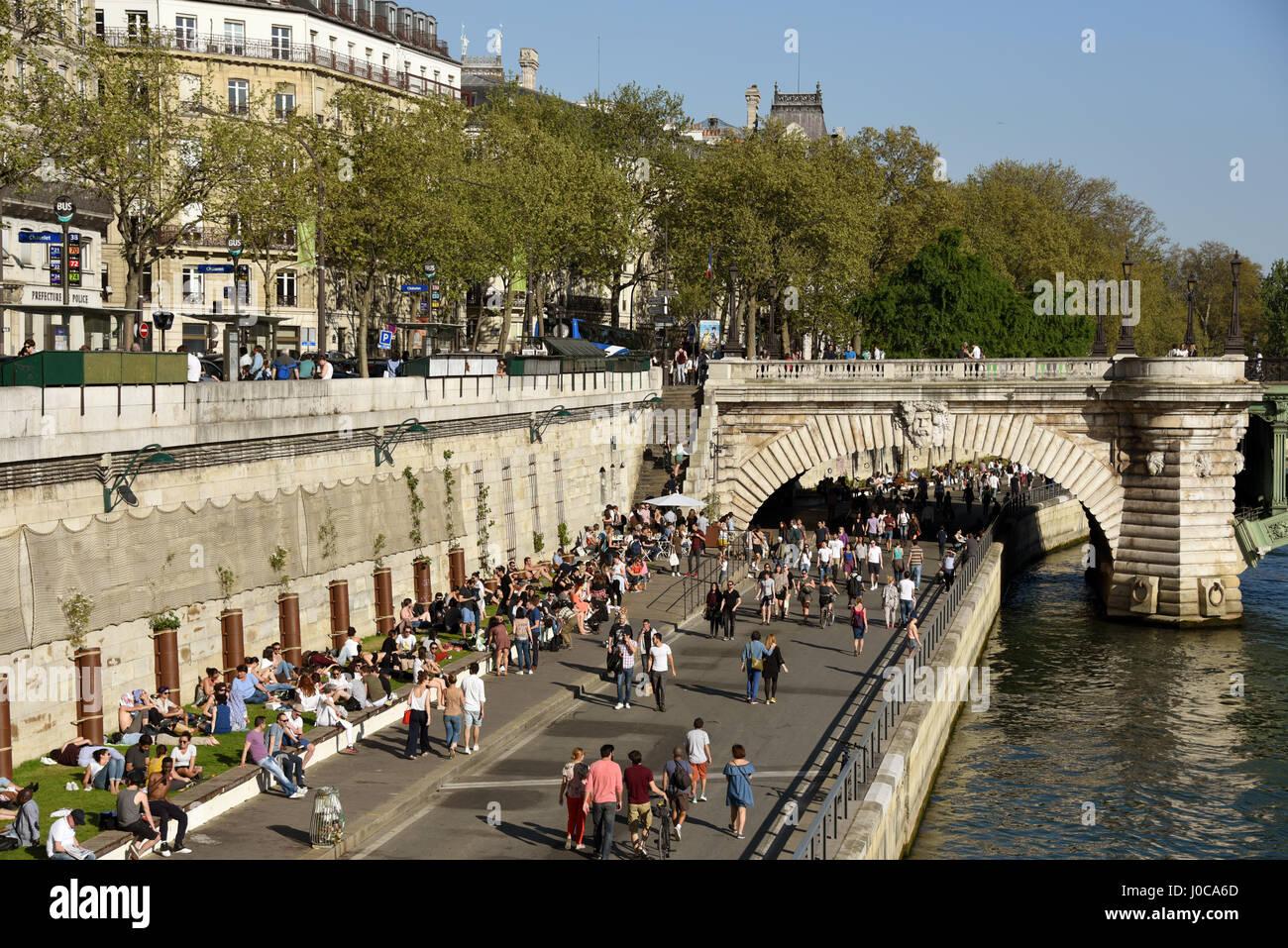 Quai de la Megisserie, Pont au Change, Seine river, Paris, France, Europe - Stock Image
