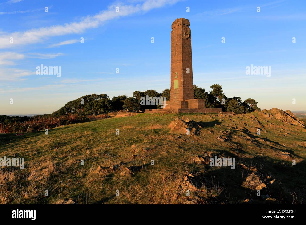 Sunset over the Leicestershire Yeomanry Regiment monument, Bradgate Park, Charnwood Forest, Leicestershire, England - Stock Image