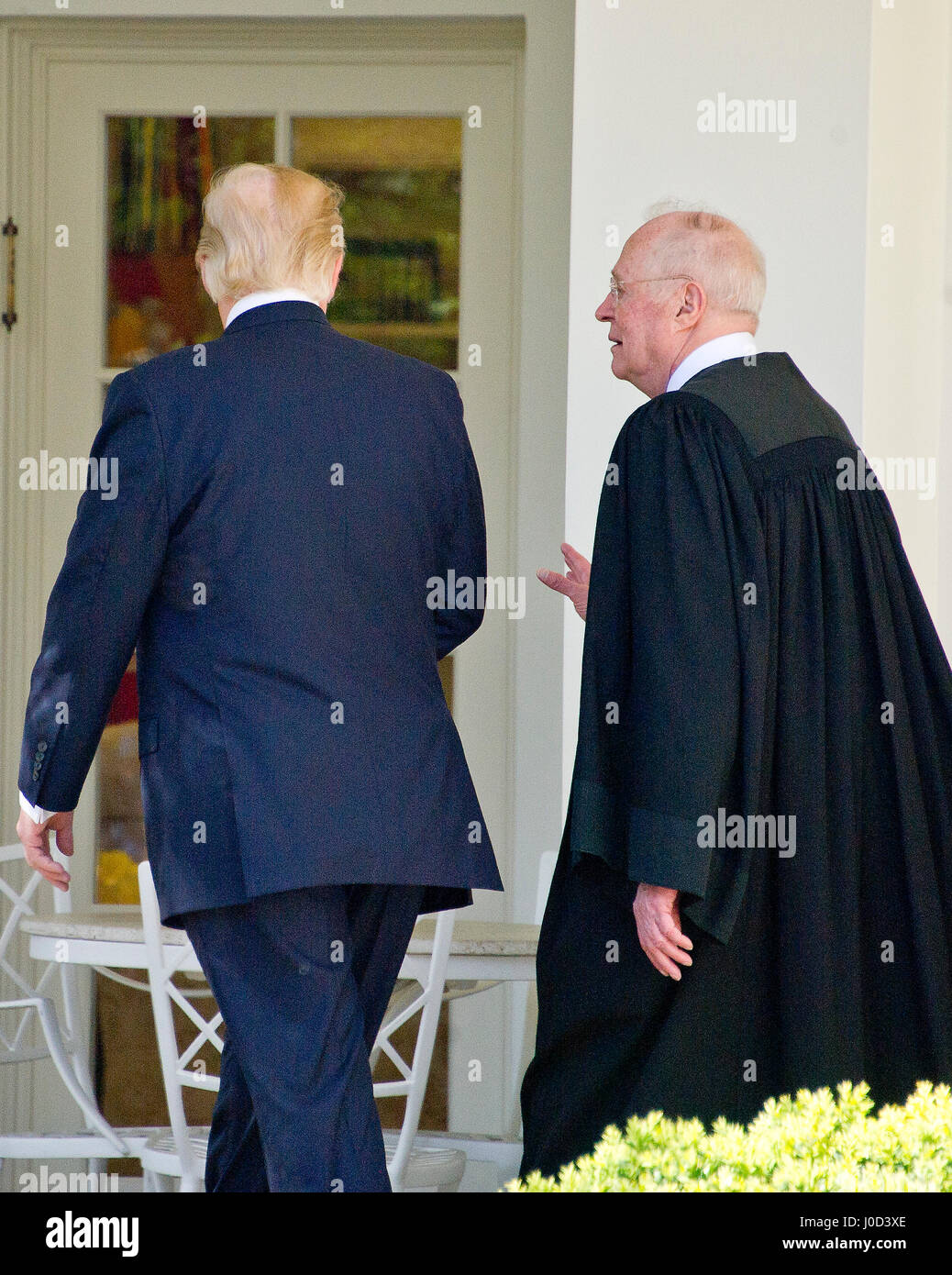 Washington, Us. 10th Apr, 2017. United States President Donald J. Trump speaks with Associate Justice of the US - Stock Image
