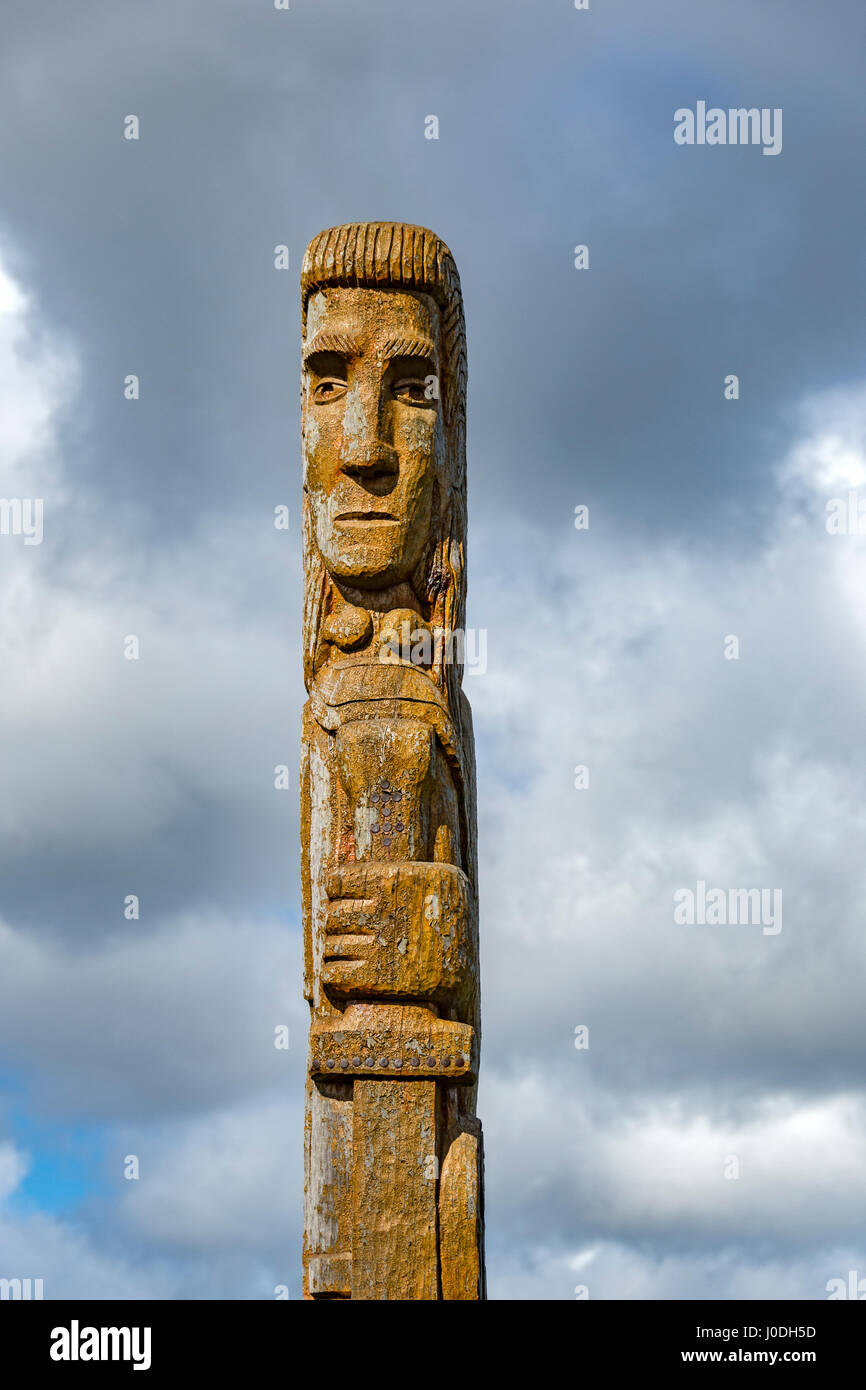 Wooden sculpture of Lugh, an ancient Irish god, near Dunlewy, County Donegal, Ireland - Stock Image