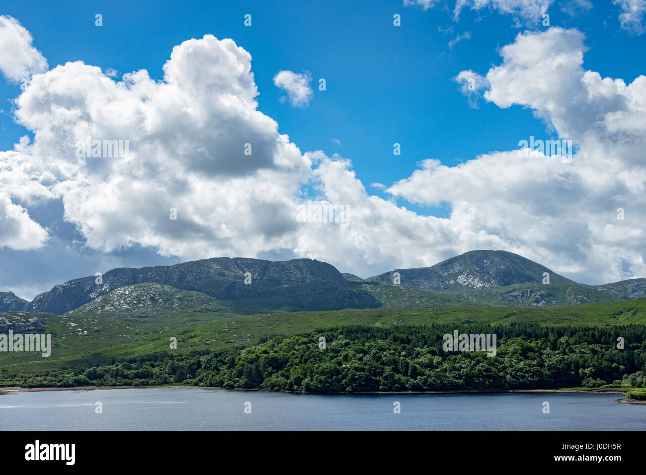 The Slieve Snaght range of the Derryveagh Mountains, over Dunlewy Lough, County Donegal, Ireland - Stock Image