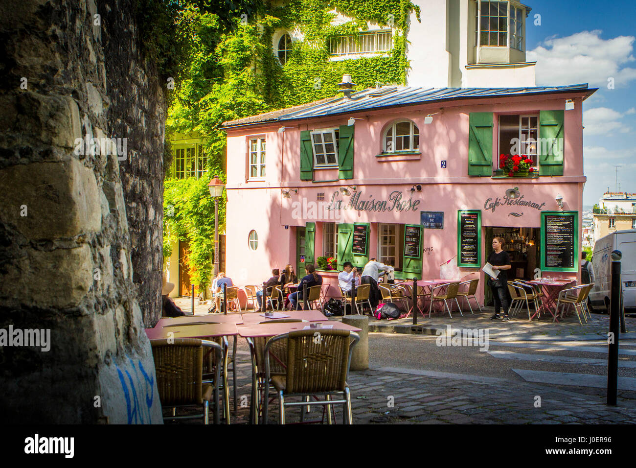 la maison rose cafe in the montmartre neighborhood of paris france stock photo 138008562 alamy. Black Bedroom Furniture Sets. Home Design Ideas