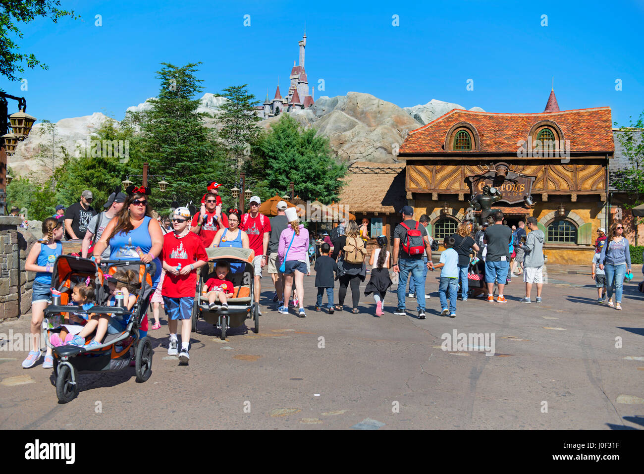 Family, Families with Children Kids in Strollers, Disney World, Orlando Florida - Stock Image