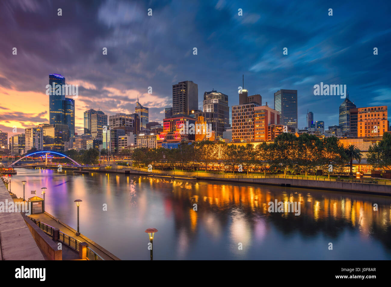 City of Melbourne. Cityscape image of Melbourne, Australia during dramatic sunset. - Stock Image