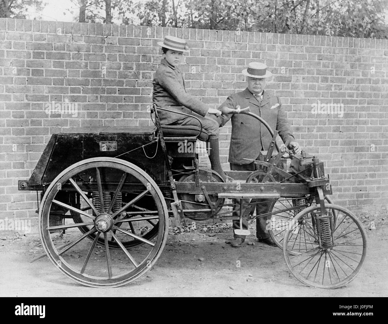1895 KNight with John Henry Knight and son - Stock Image