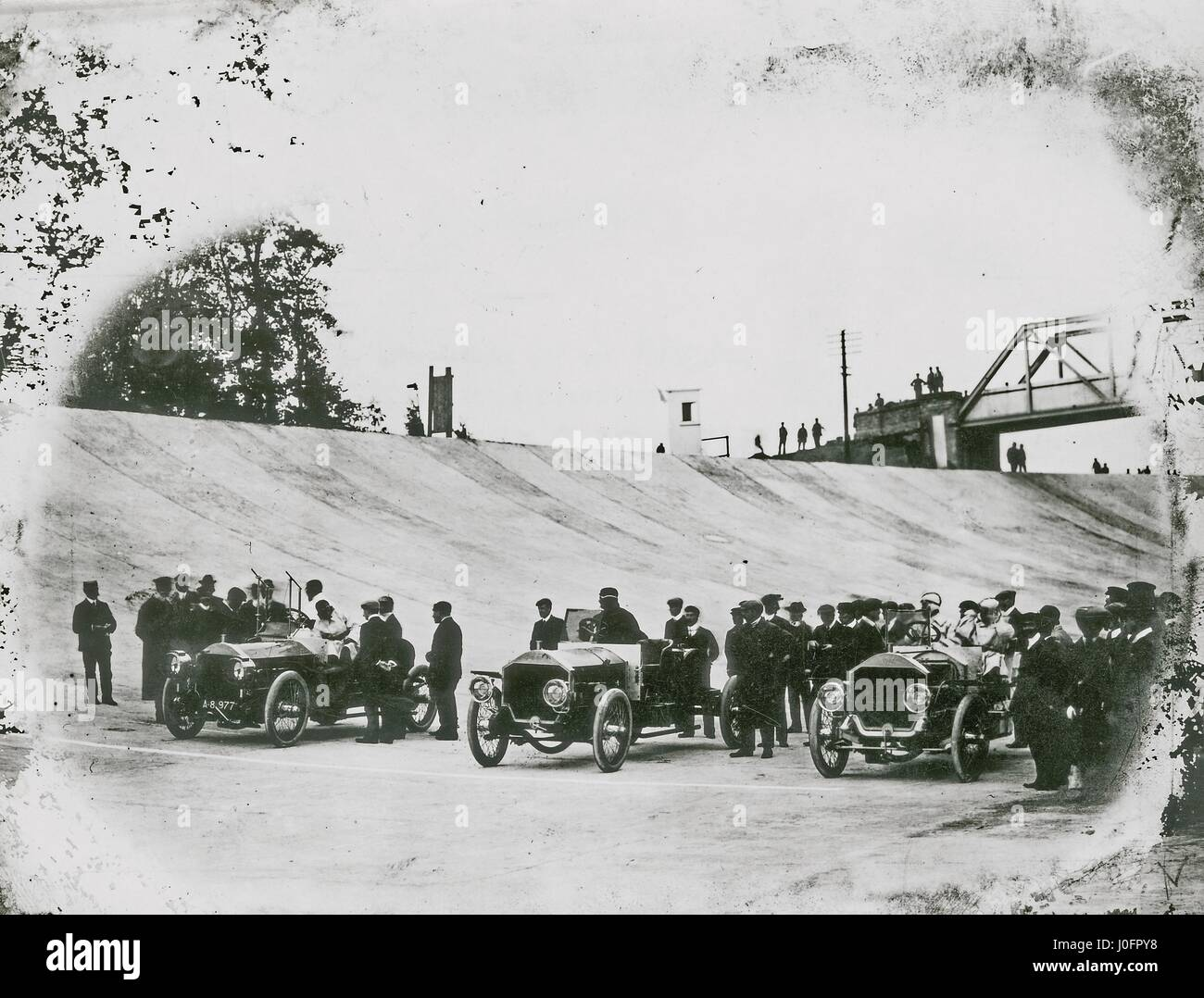 Brooklands Motor Course, 24 hour endurance record, trio of 6 cylinder stripped 65 hp Napiers - Stock Image