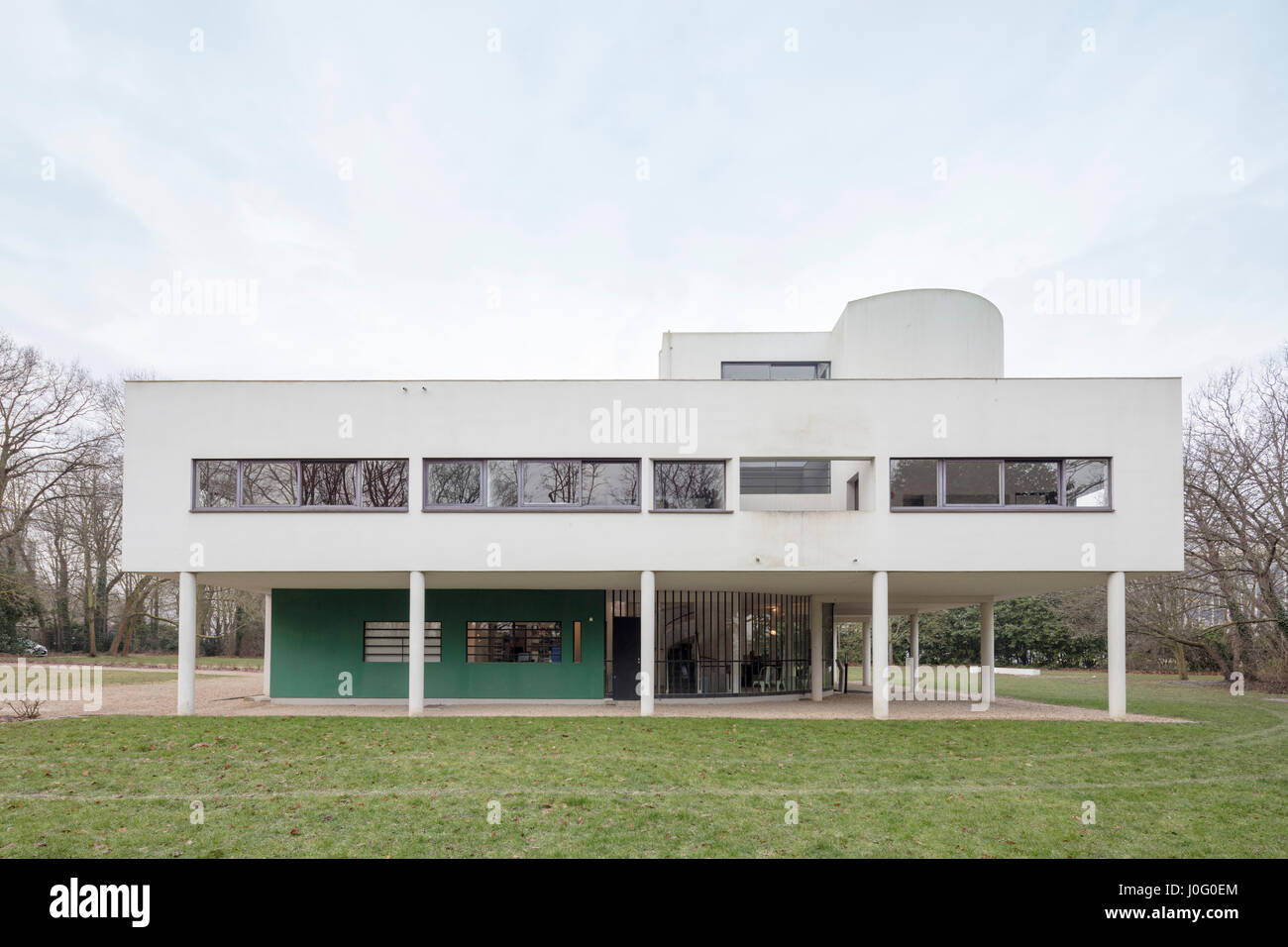 Villa Savoye at Poissy, France, modernist architectural icon of Le ...