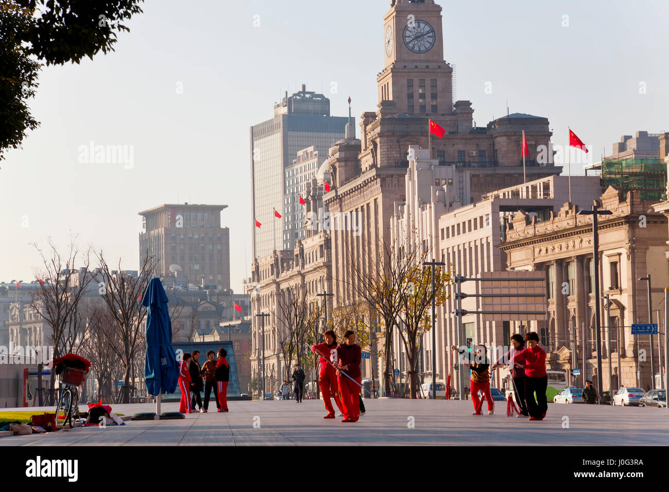 Tai Chi exercises, early morning, The Bund, Shanghai, China - Stock Image