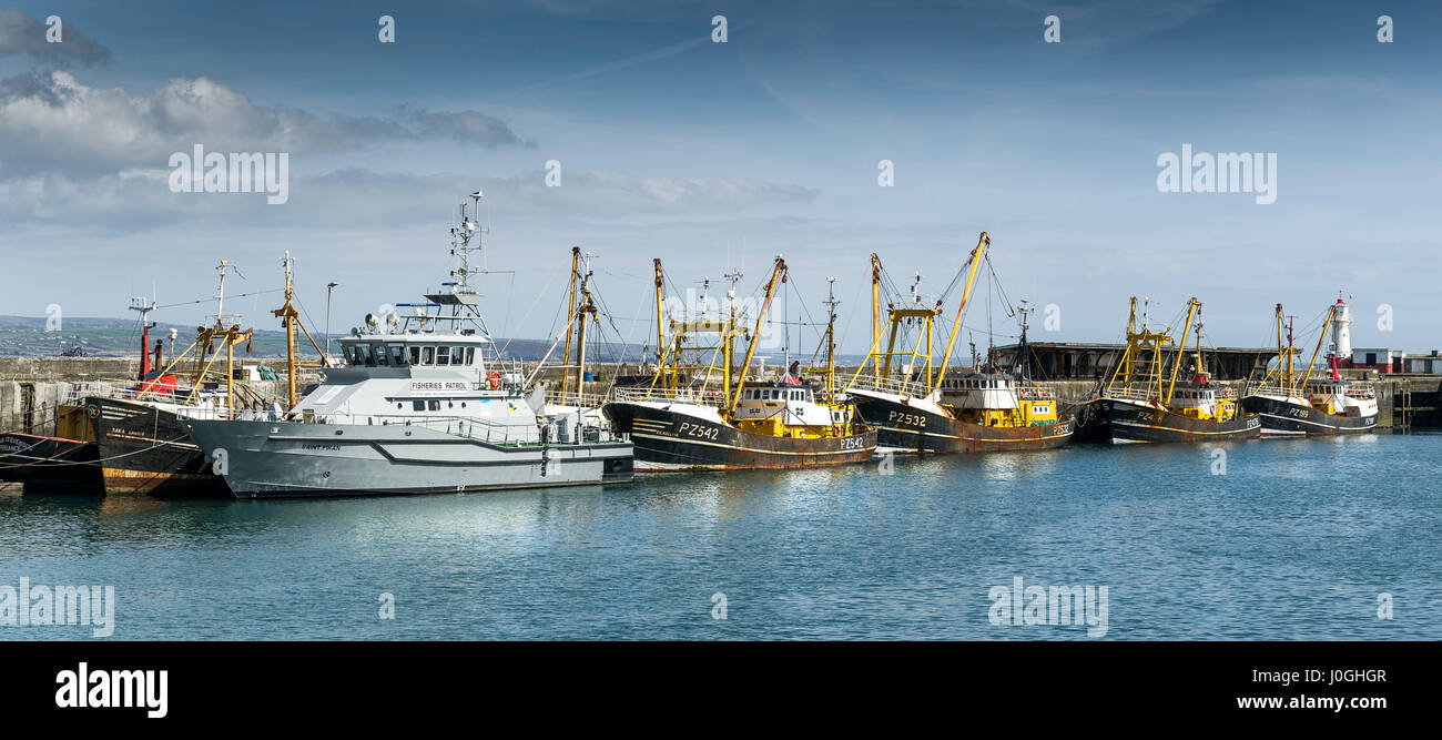 Panorama Panoramic Newlyn Fishing Port Saint Piran Fisheries Patrol vessel Fishing boats Fishing vessels Beam trawlers - Stock Image