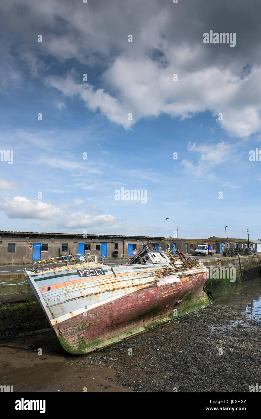 Newlyn Fishing Port PZ513 Excellent Fishing boat Fishing vessel Breaking up Being dismantled Historic fishing boat - Stock Image