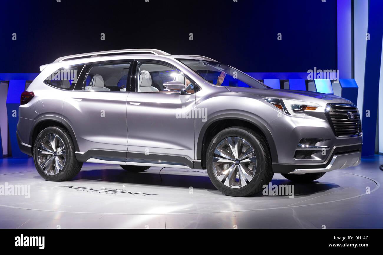 Subaru Dealer Stock Photos & Subaru Dealer Stock Images
