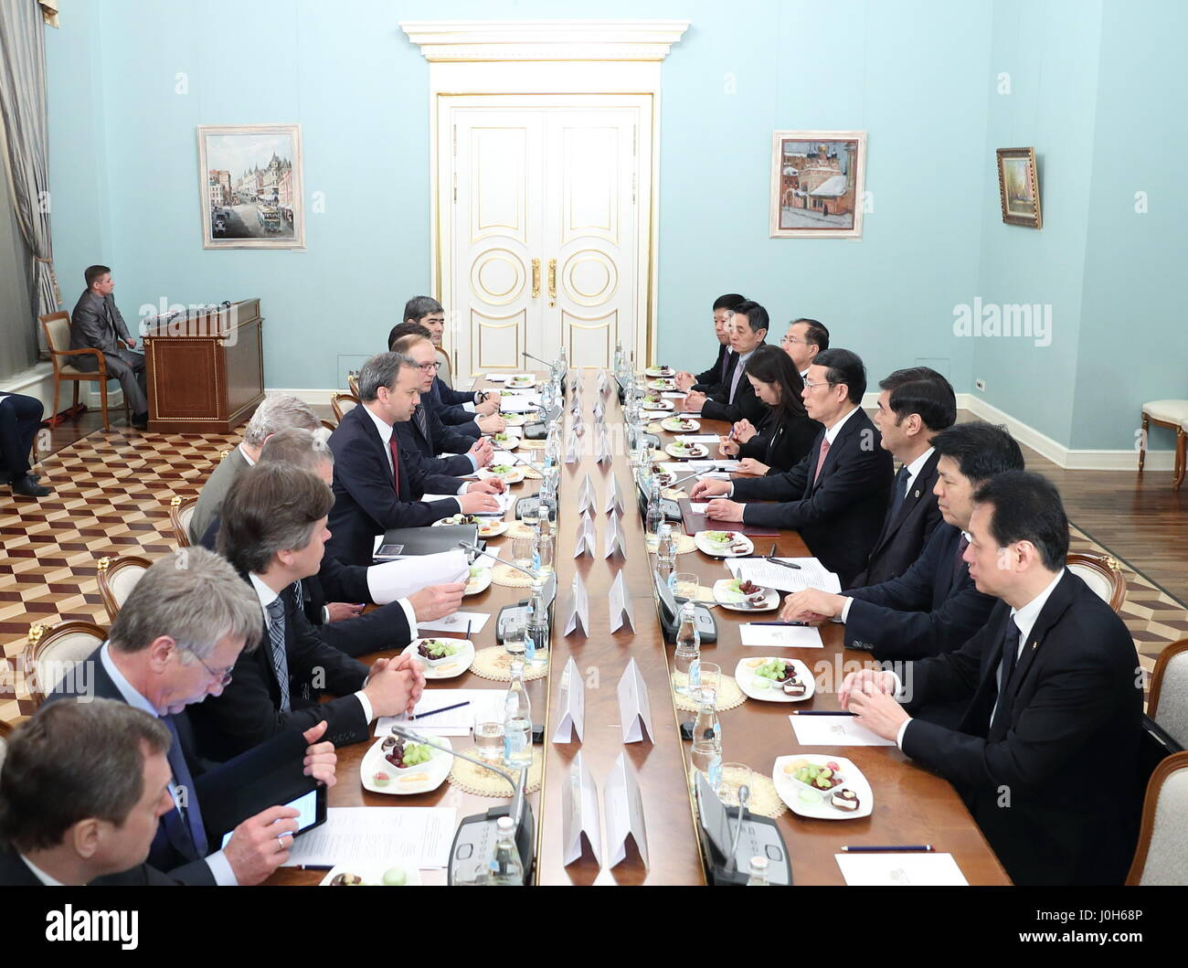Moscow, Russia. 12th Apr, 2017. Chinese Vice Premier Zhang Gaoli(4th R) and his Russian counterpart Arkady Dvorkovich(6th L) talks during the meeting of the China-Russia Energy Cooperation Committee in Moscow, Russia, April 12, 2017. Credit: Pang Xinglei/Xinhua/Alamy Live News Stock Photo