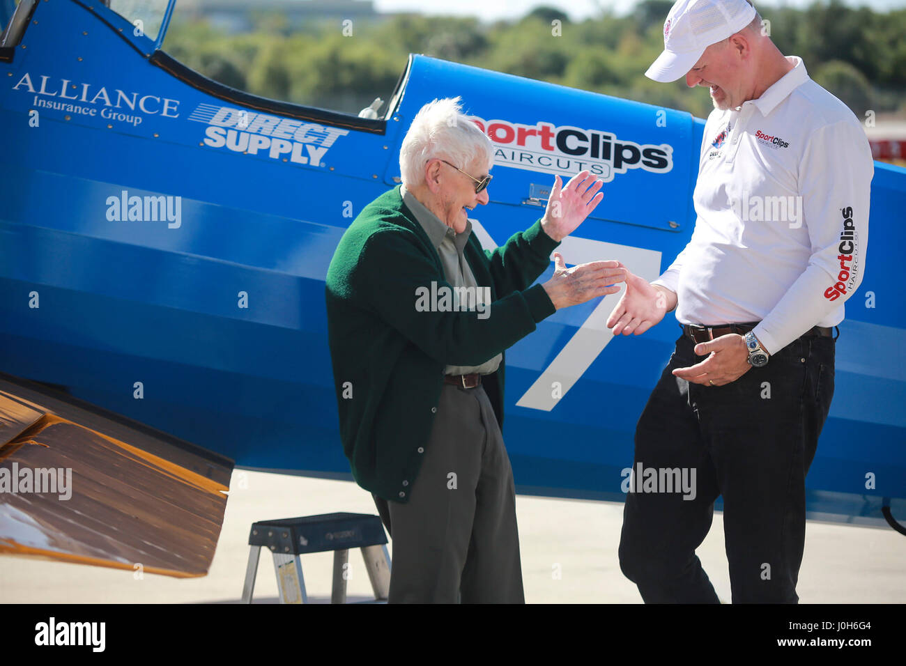 Florida, USA. 13th Apr, 2017. Duane Webster, age 95, shakes hands with Darryl Fisher (Founder - President - Pilot Stock Photo