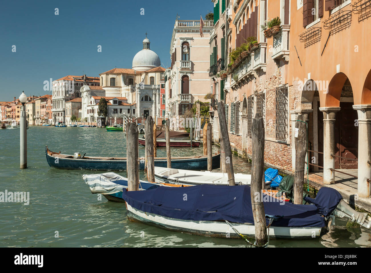 Spring afternooon on Grand Canal, sestiere of Cannaregio, Venice, Italy. - Stock Image