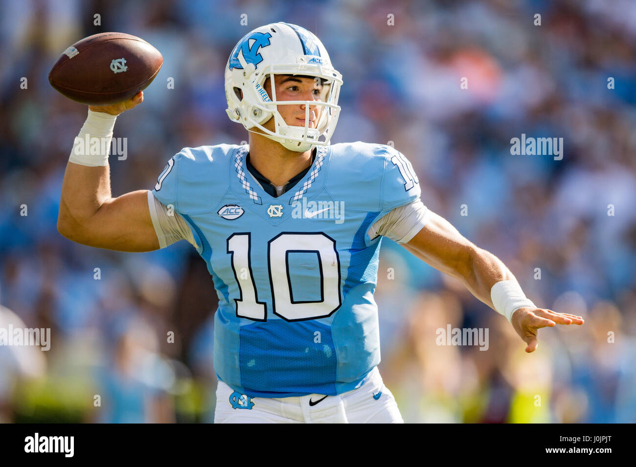 aabb9148313 North Carolina quarterback Mitch Trubisky (10) during the NCAA college  football game between the
