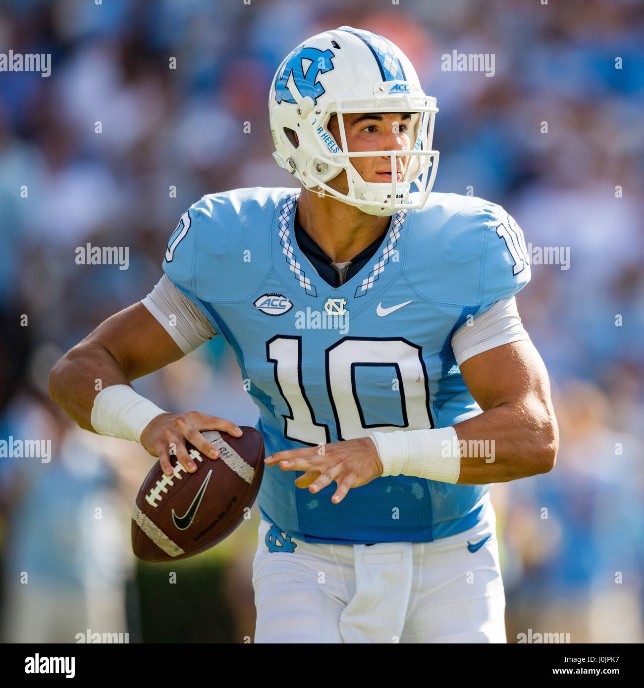 separation shoes a6faf 34a6e North Carolina quarterback Mitch Trubisky (10) during the ...