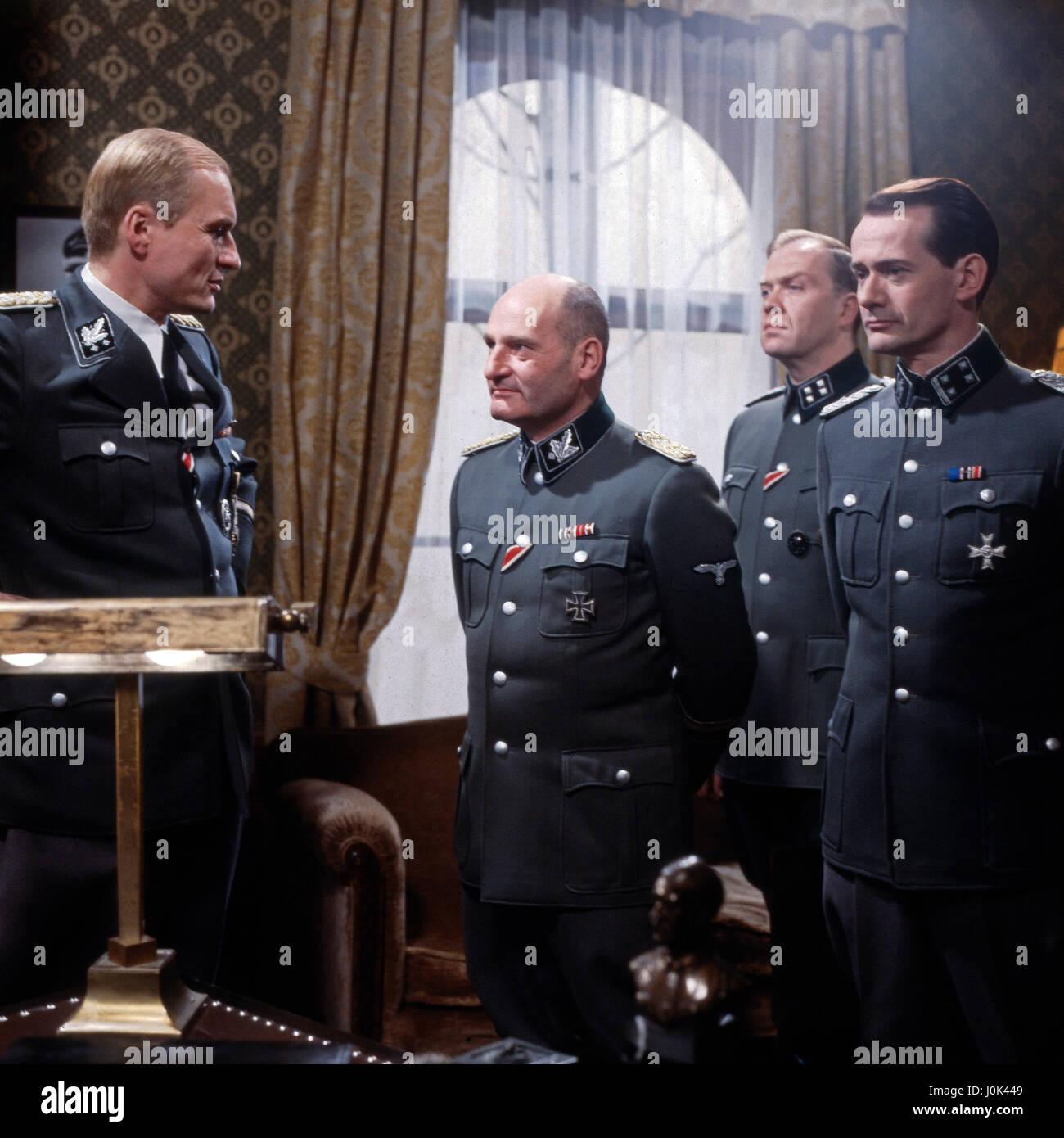 Die Wannseekonferenz, Fernsehfilm, Deutschland 1984, Regie: Heinz Schirk, Darsteller: Dietrich Mattausch, Harald Dietl, Jochen Busse, Rainer Steffen Stock Photo