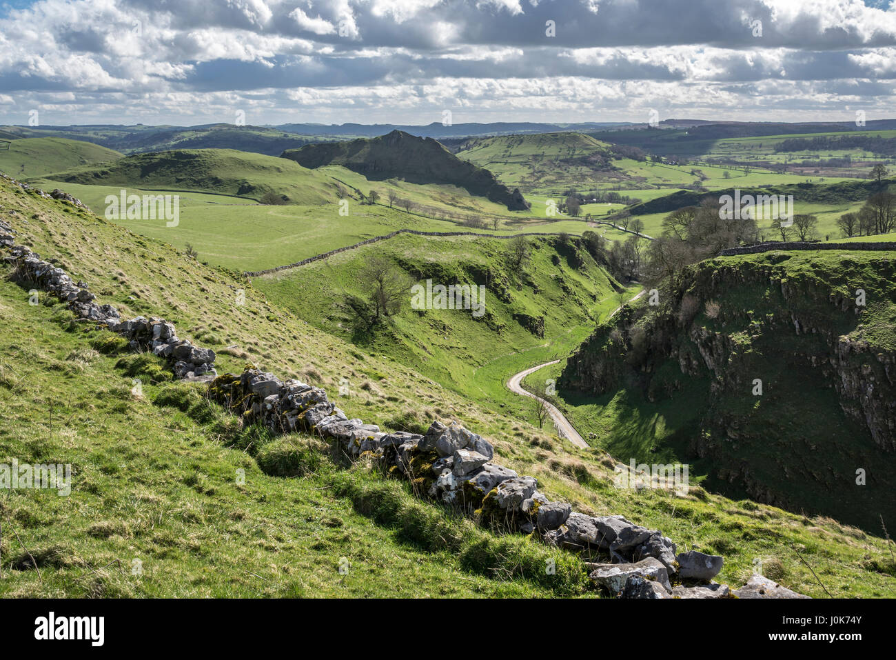 Dowel Dale and Parkhouse hill near Buxton, Derbyshire on a sunny spring day. - Stock Image