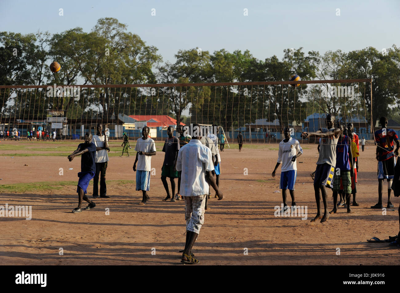 SOUTH SUDAN  Bahr al Ghazal region , Lakes State, town Rumbek , freedom oder Independence Square, young people play - Stock Image