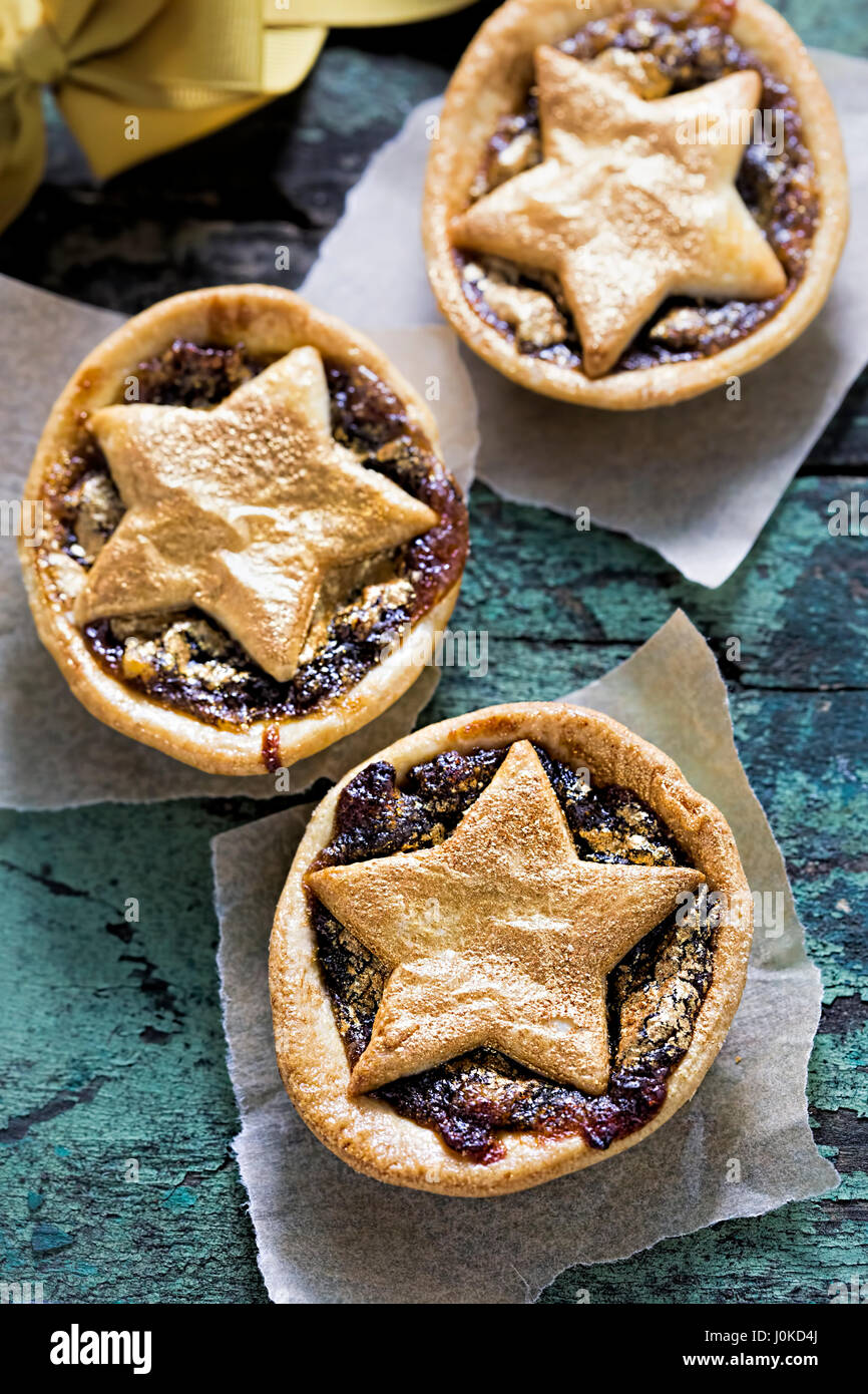Mince pie butter pastry with gold lustre - Stock Image