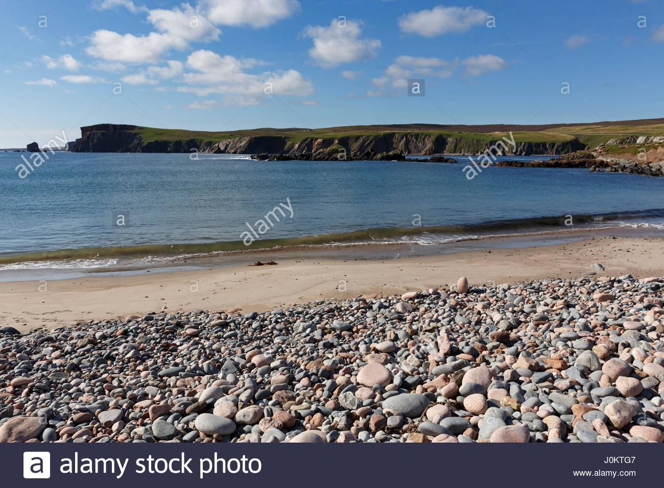 Stony Beach at Hillswick, Northmavine, Mainland, Shetland Islands, Scotland - Stock Image