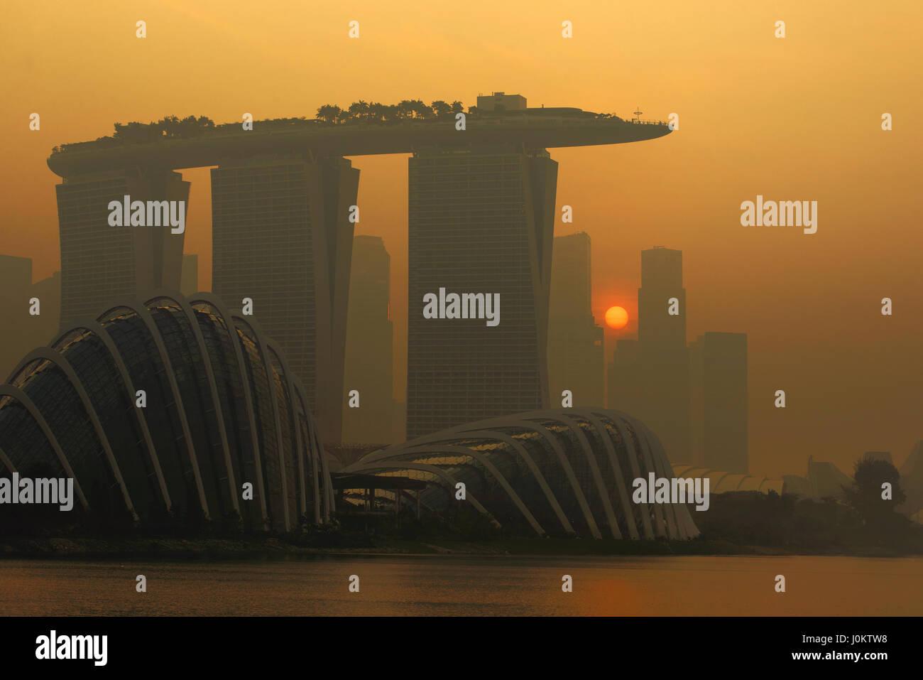 Singapore - September 19, 2014 Marina Bay Sands at sunset - Stock Image