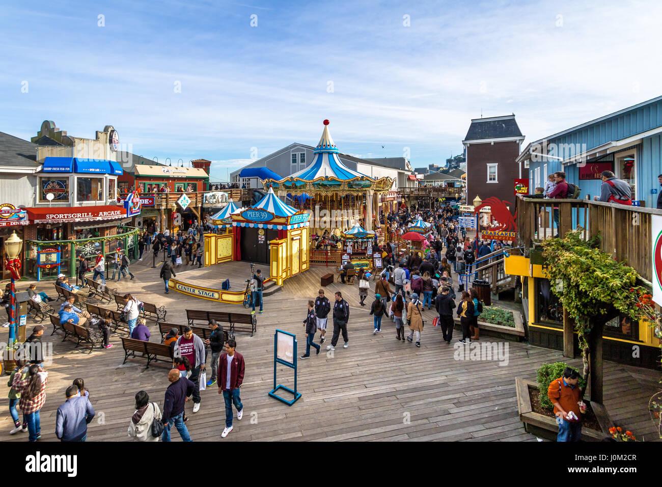 pier-39-stores-and-carousel-in-fishermans-wharf-san-francisco-california-J0M2CR.jpg