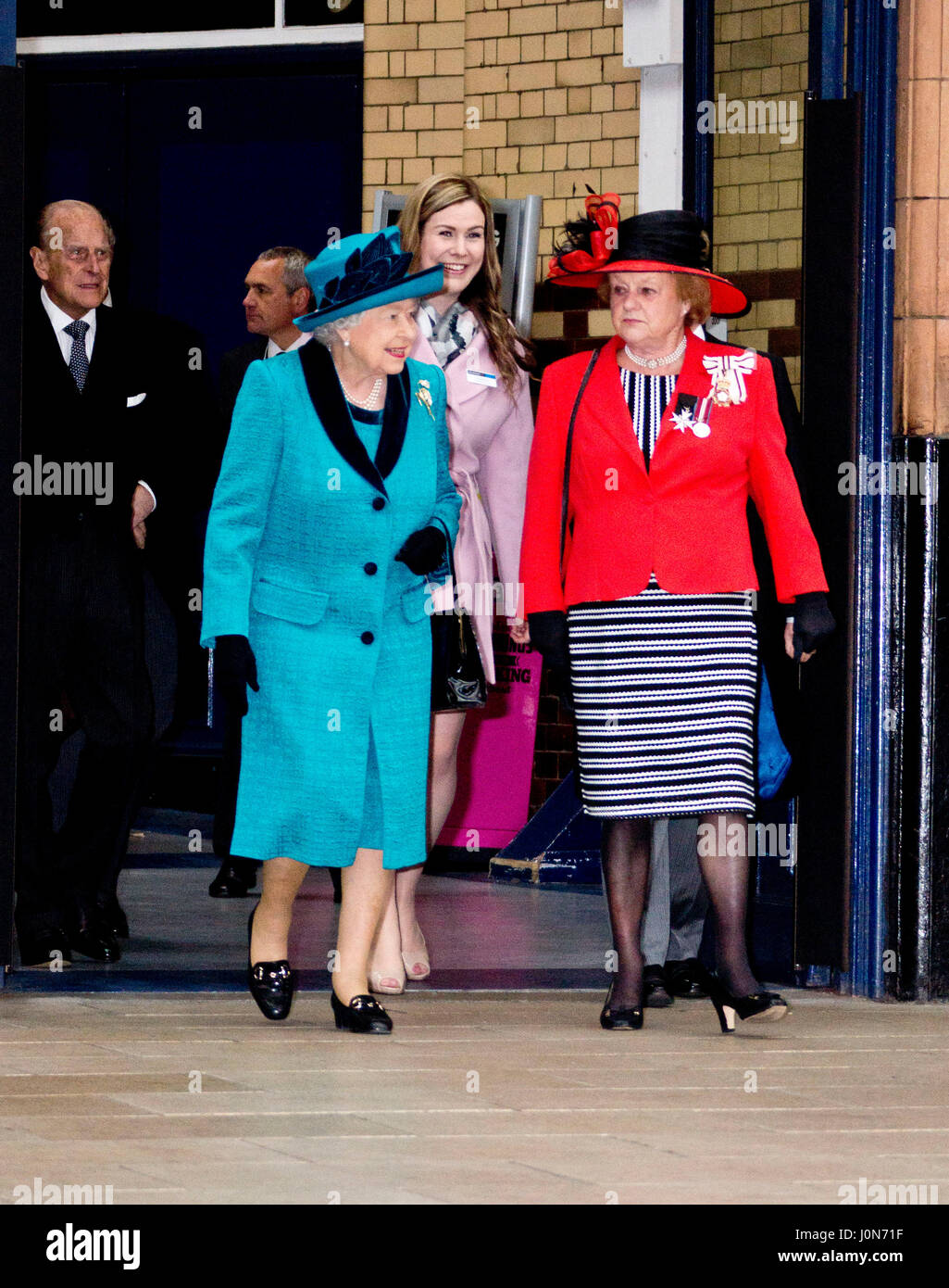 Leicester, UK. Thursday 13th April 2017. Her Majesty Queen Elizabeth II and The Duke or Edinburgh arrive at Leicester - Stock Image