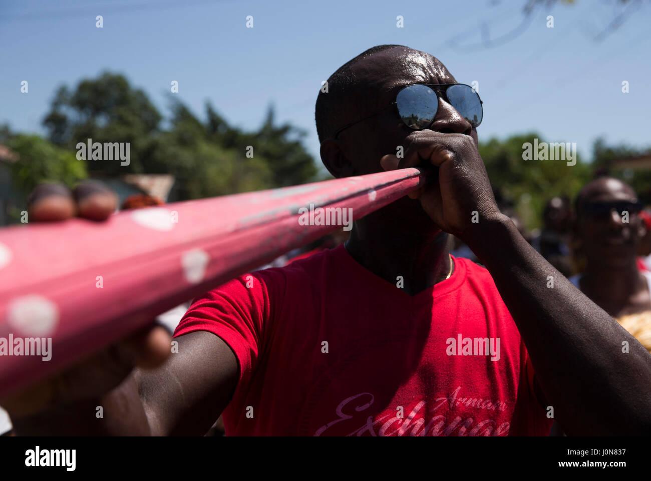 Santo Domingo, Dominican Republic. 14th Apr, 2017. A musician participates in a 'Gaga' on the occasion of - Stock Image