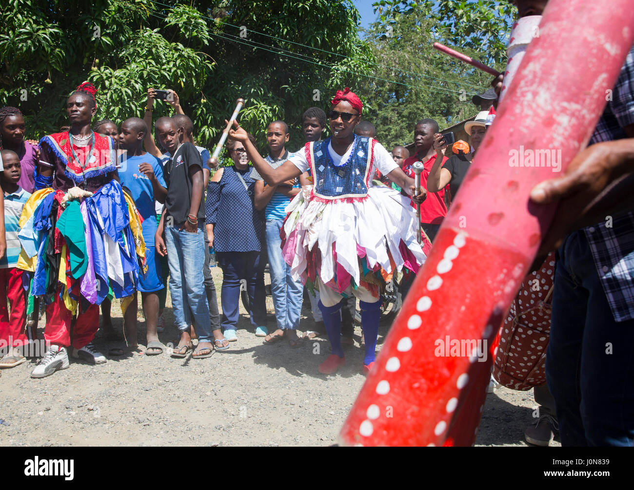 Santo Domingo, Dominican Republic. 14th Apr, 2017. Musicians and dancers participate with hundreds of people in - Stock Image