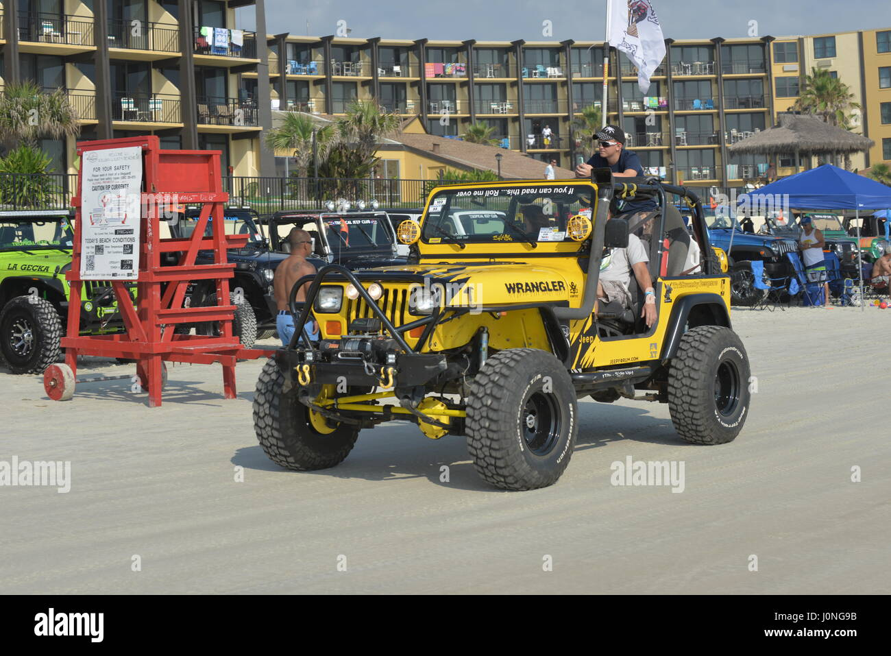 Jeep Week At Daytona Beach Thousands Of Jeeps On The Beach And On The Stock Photo Alamy