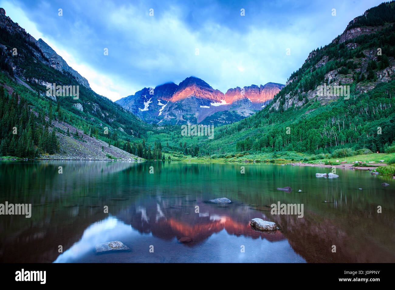 Maroon bells at sunrise in aspen colorado - Stock Image
