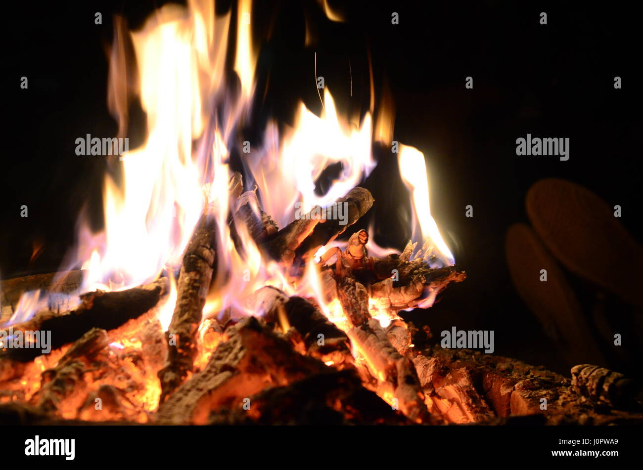 Burning Wood in blood Freezing cold of Hunza Gilgit-Baltistan - Stock Image