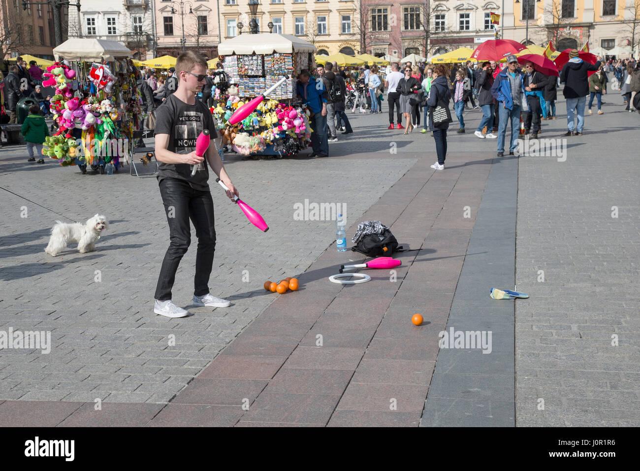 Juggler in Krakow main market square - Stock Image