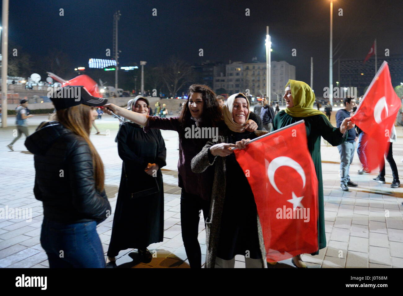 Istanbul, Turkey. 16th Apr, 2017. Enumeration rate according to TV stations over 98 percent of votes: 51.4 percent - Stock Image