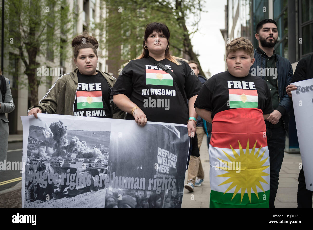 London, UK. 13th April, 2017. Members of the UK's Iraqi community and supporters attend an emergency demonstration - Stock Image